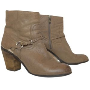 Vince Camuto boots tan leather 3' heel 9 EUC